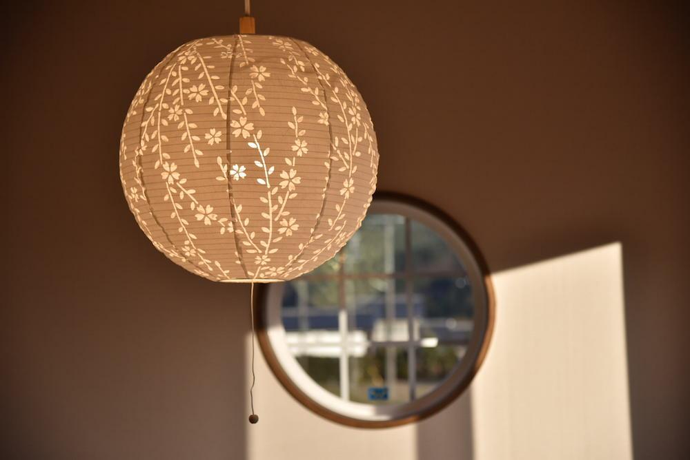 伊那市西春近Kn様邸-自然素材で成形したライトカバー